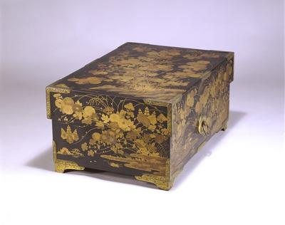 秋草蒔絵箱