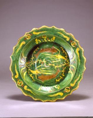 三彩魚藻文盤