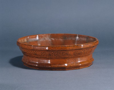 瑞禽文蒟醤十六角鉢