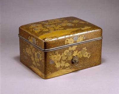 菊蒔絵手箱