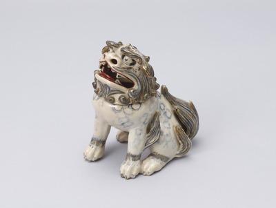 色絵獅子形香炉